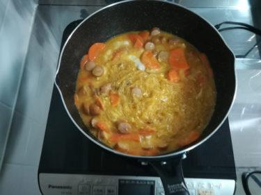一人暮らしの簡単料理、麻婆春雨に人参入れてみたら硬い・・